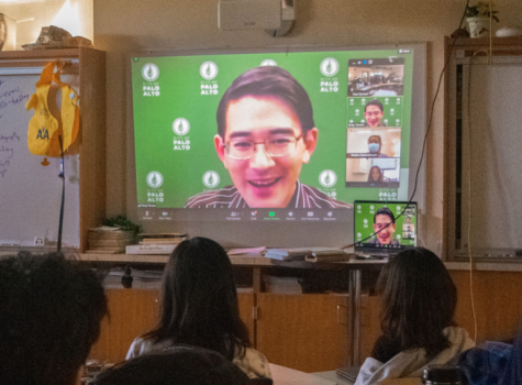 Councilman Greg Tanaka talks to the Junior class at Palo Alto High School during Advisory today about his background and career. Photo by Lauren Wong